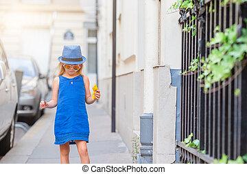 adorable, mode, dehors, girl, ville, peu, européen