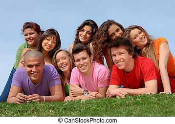 amis, sourire, groupe, adolescent, heureux