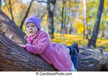 automne, peu, parc, girl, heureux