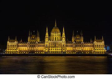 bâtiment, budapest, parlement, danube, éclairé, hongrois, nuit, rivière