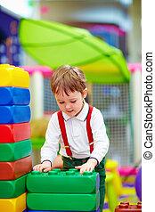 bâtiment, jardin enfants, blocs, gosse