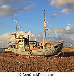 beau, été, plage., slettestrand, denmark., scène, bateau pêche