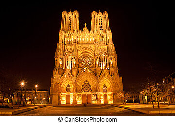 cathédrale, reims, nuit