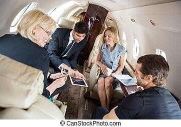 constitué, discuter, jet, professionnels