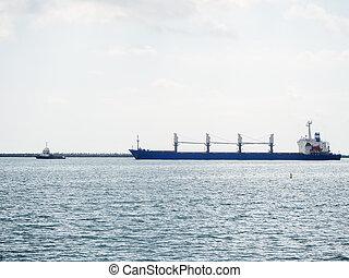 contre, suivre, flotte, bateau, long, nuageux, mer, ferry-boat, ciel, petit, bleu