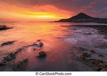 coucher soleil, reflet, mer, rocher