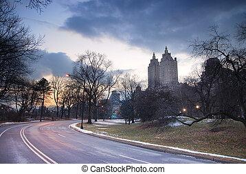 crépuscule, ville, parc central, york, nouveau
