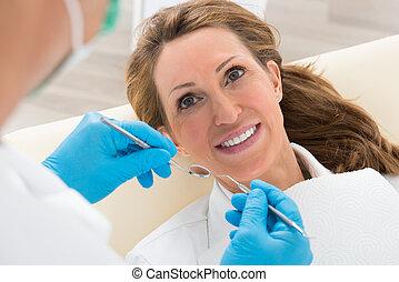 dentaire, femme, avoir, bilan santé
