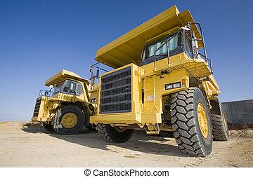 exploitation minière, jaune, camions