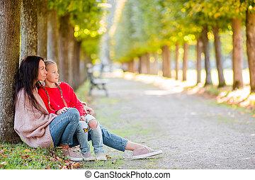 famille, parc, automne, maman, dehors, jour, gosse