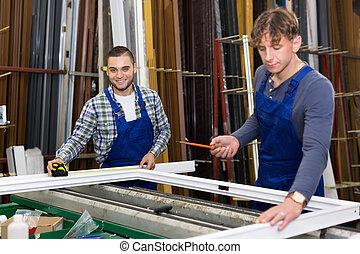 fonctionnement, ouvriers, deux, fenêtre, profils