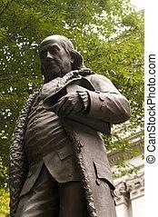 franklin ben, statue
