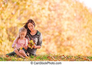 girl, jour, parc, dehors, maman, automne, peu