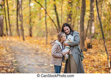 girl, maman, dehors, parc, peu, jour automne