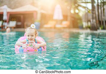 girl, peu, piscine, adorable, extérieur, natation