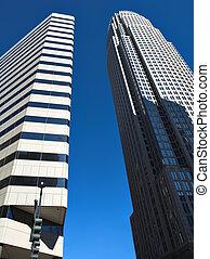 grand, bâtiments
