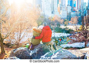 heureux, vue, ice-rink, york, parc, central, jouir de, ville, célèbre, nouveau, couple