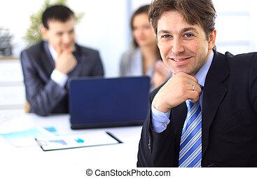 homme affaires, réunion, bureau affaires, jeune