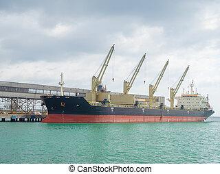 jetée, énorme, bateau, amarré, mer, cargaison, grues, il