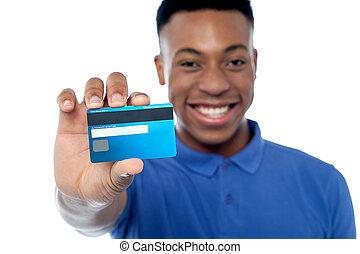 jeune, crédit, tenue, portrait, carte, homme