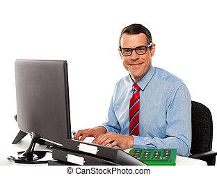 jeune, informatique, utilisation, heureux, constitué, homme