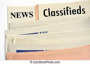 journaux, classifieds, empilé