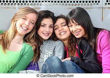 mélangé, filles, sourire, course, groupe