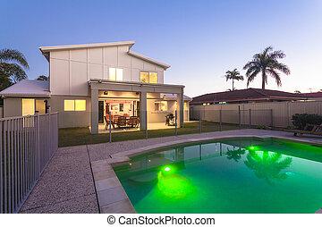 maison, moderne, extérieur, crépuscule