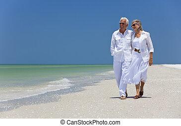marche, danse, couple, exotique, personne agee, plage, heureux