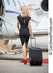 marche, femme, jet, bagage, privé, vers, riche