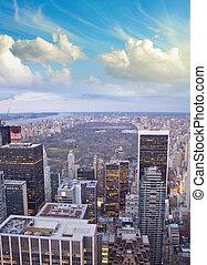 nuages, ville, central, sur, parc, york, nouveau