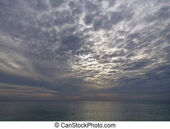 nuageux, mer, soir