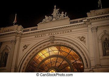 nuit, train, keleti, façade, station