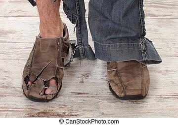pauvre, pieds