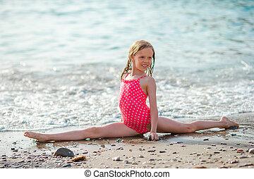 peu, plage, girl, exotique, pendant, adorable, vacances, amusement, avoir