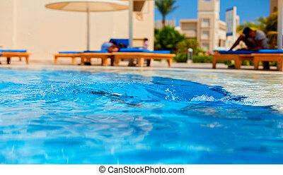 piscine, eau, jour ensoleillé, éclaboussure