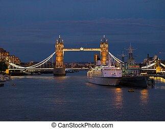 pont, angleterre, éclairé, nuit, tour, londres