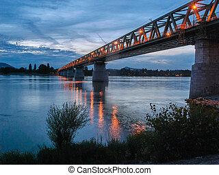 pont budapest, nuit, ujpest, chemin fer