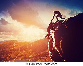 rocher, s'élever montagne, randonneurs