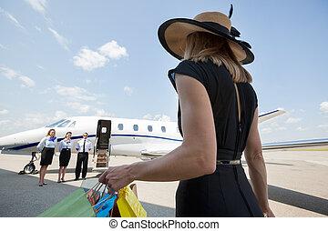 sacs, marche, achats femme, jet, privé, vers, riche