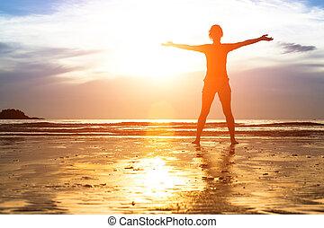 silhouette, jeune femme, plage, exercice, sunset.