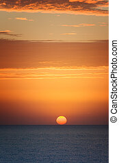 soleil orange, coucher soleil, mer
