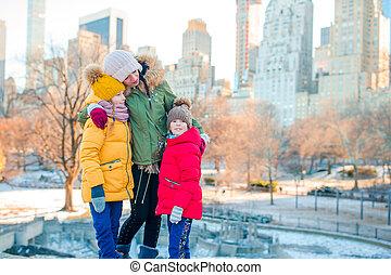ville, york, leur, nouvelle famille, pendant, vacances, gosses, mère, parc central