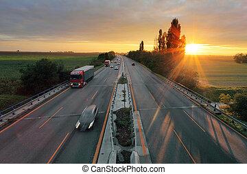 voiture, coucher soleil, autoroute