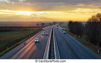 voitures, trafic, transport, autoroute, coucher soleil